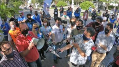 Los referentes gremiales brindaron una conferencia de prensa improvisada luego de salir de Casa de Gobierno sin las respuestas que buscaban.
