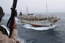 Una flota pesquera clandestina compuesta por unos 300 barcos de origen chino se encuentra a la altura de Perú y se acerca a Chile.