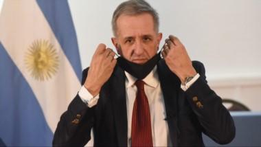 El ministro de Economía se suma al secretario de Trabajo, que en los últimos días dio positivo de Covid-19.