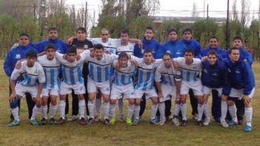 Equipo del Club Social y Deportivo Río Mayo a inicios de esta década.