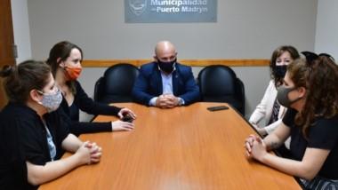 El intendnete Sastre se reunió durante la semana con Belén y Fernanda Murúa.