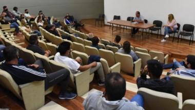 Asamblea. La sala de conferencias del parlamento fue escenario de la decisión que tomaron los trabajadores de la casa de las leyes.