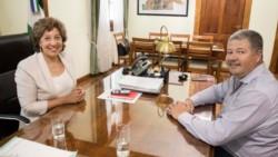 La gobernadora Carreras y su ministro de Economía Luis Viasberg.