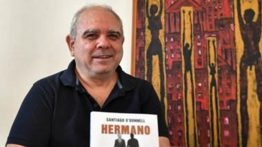 """""""Es un relato sincero de un hombre muy acorralado, con muy pocas opciones y poco para perder"""", dice Santiago O' Donnell sobre Mariano Macri."""