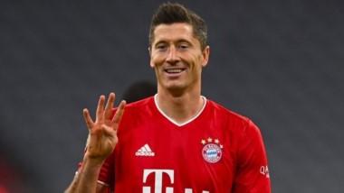 Cuatro goles del Polaco ante el Hertha para darle la victoria al Bayern en los últimos minutos.