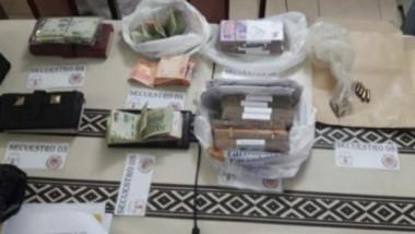Cocaína, armas de fuego, agendas de la red narco y dinero en efectivo fueron secuestrados por la Policía.