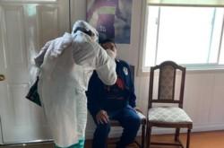 Cumpliendo con los protocolos y para tranquilidad de Diego y de su familia, Maradona fue hisopado en su domicilio.