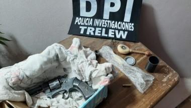 En el allanamiento se encontró parte del botín y un arma de fuego.