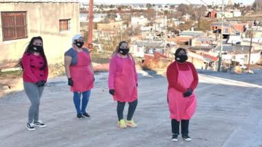 Emprendedoras. Una postal de las mujeres de Trelew que motorizan una importante ayuda social y barrial.