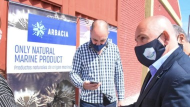 Gustavo Sastre, intendente de Madryn, visitó la empresa en cuestión.