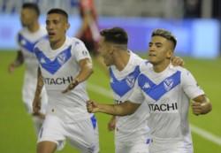 Penal con polémica, pero Almada no falló: el 10 del Fortín anotó desde los doce pasos el 1-0 ante Patronato.