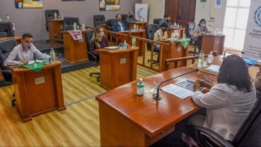 También se exhortó al gobernador  Arcioni a abonar la totalidad de los salarios estatales adeudados.