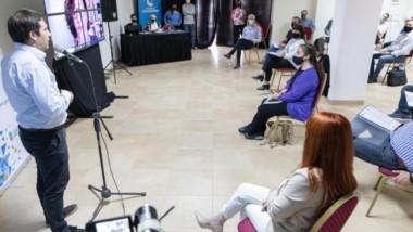 La apertura de la capacitación Ley Micaela trata la sensibilización en temática de género y violencia.