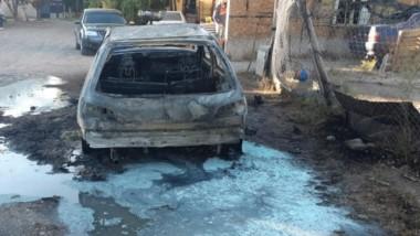 El automóvil se encontraba estacionado en la calle Juan de la Piedra.