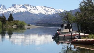 Lago Cholila. Destino preferido de los pescadores del fin de semana.