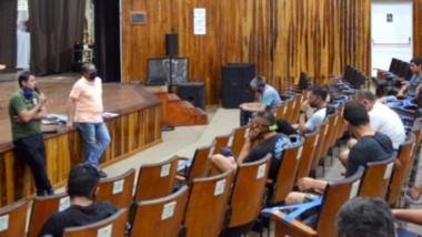 Inquietudes. Durante el encuentro se conversó sobre los protocolos para este verano en Playa Unión.