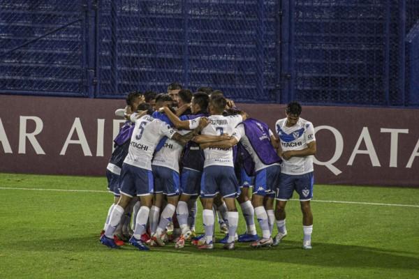 Los dos goles fueron de Thiago Almada. El próximo martes la vuelta en Colombia