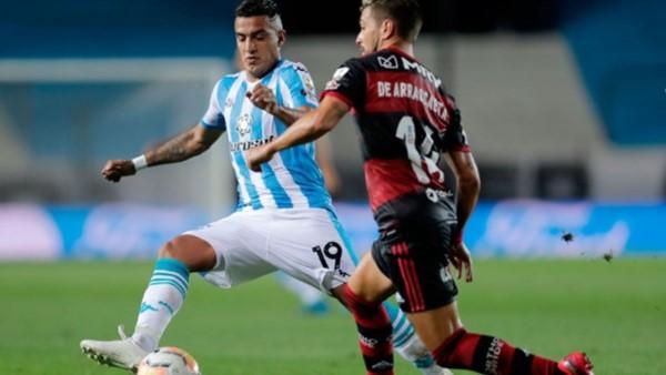 Racing empató con Flamengo en un partido dramático y con el VAR como protagonista.