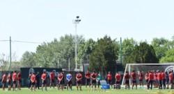 El plantel de San Lorenzo en el minuto de silencio en homenaje al