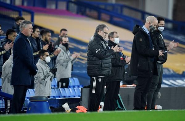 Leeds cortó una racha de tres sin ganar y se ubicó en la mitad de la tabla en la Premier League.