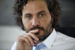 El jefe de Gabinete, Santiago Cafiero, apuntó hoy a los dirigentes de la oposición.