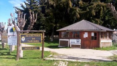 Quienes arriben a Río Pico, deberán completar una declaración jurada en la oficina de Turismo.