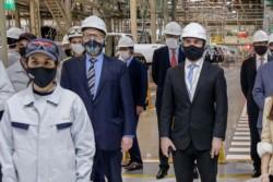 Los ministros de Desarrollo Productivo, Matías Kulfas; y de Economía, Martín Guzmán, en la planta de Zárate.