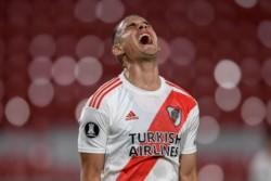 Malas noticias para River. Rafael Santos Borre dio positivo de Covid y permanecerá aislado.