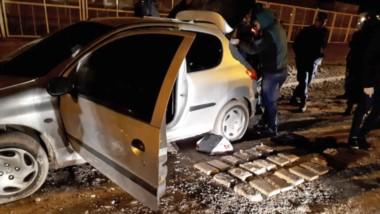 Esa noche. Los ladrillos de marihuana que la Policía descubrió en el vehículo que manejaba Severo Torres con un cómplice que logró escapar.