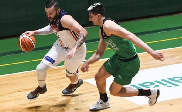 Quimsa no le dio oportunidades a Gimnasia y sumó una nueva victoria por 15 puntos.