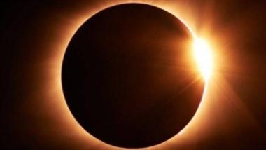 Por unos dos minutos, el día se hará de noche cuando la Luna cubra por completo el Sol este mediodía.