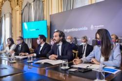El jefe de Gabinete Santiago Cafiero encabeza la tercera reunión del gabinete nacional de cambio climático en la que se presenta el nuevo compromiso del país al 2030.