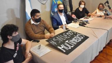 Salvataje. Una postal del pronunciamiento público del jefe comunal, que arremetió contra el Gobierno.
