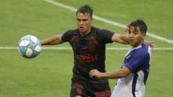 Barracas, más práctico, con un buen primer tiempo y un golazo de Carlos Arce, se quedó con el partido. (Foto: 0223).