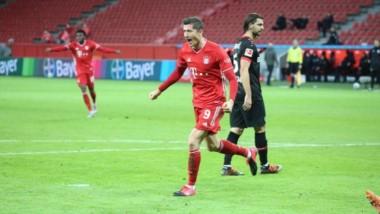 El polaco marcó un doblete en su primer encuentro tras ser elegido el mejor jugador del mundo.