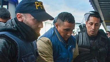 "Cristian ""Mai"" Bustos cuando llegó a Trelew tras ser extraditado."