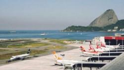 Brasil suspendió vuelos desde Reino Unido por nueva cepa de Covid-19.