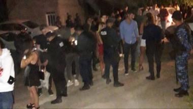 Se pinchó todo. La concurrencia tuvo que desistir del ánimo festivo y volver a sus casas por orden policial.