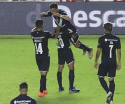 El Rojo supo como controlar el juego de Argentinos y golpear en el momento justo.