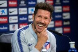 Simeone es el segundo entrenador en la historia del fútbol español que llega a 300 victorias con un mismo club en menos de 500 partidos (ha necesitado 499).