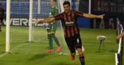 Por el gol de Leandro Martínez, Defensores de Belgrano venció 1-0 a Tigre.
