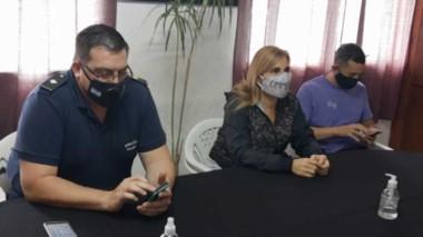 El comisario inspector Bruno Germillac y la fiscal Andrea Vázquez informando sobre el lamentable hecho.