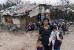 La pobreza habría llegado al catastrófico nivel del 53,1% de la población si no se hubiesen implementado planes de emergencia como el IFE o la tarjeta alimentaria, indicó la UCA.