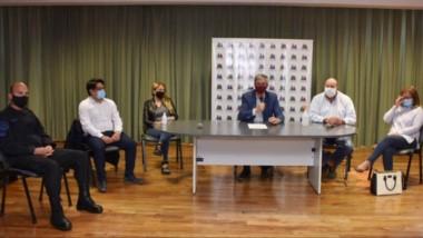 """""""Buscamos que la gente se quede en casa"""", dijo el intendente Sergio Ongarato en conferencia de prensa."""