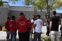Los guardavidas frente al municipio capitalino. (Foto: Daniel Feldman / Jornada)