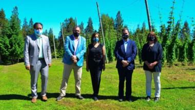 Funcionarios. Se abrió la temporada turística y desde Río Negro pidieron gestos al gobernador Arcioni.