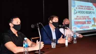 Estrategia. Desde la izquierda, Maderna, Biss y James explicaron los recaudos sanitarios a tener en cuenta.