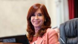 Cristina publicó un balance del primer año de gobierno con fuertes críticas a la Corte.