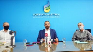 Fabricio Petrakosky, presidente de la Cooperativa Eléctrica de Trelew, brindó una conferencia de prensa para brindar su postura al respecto.