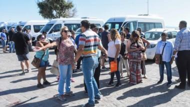 Transportistas y diferentes actores de la actividad turística exigen respuestas del gobierno provincial.